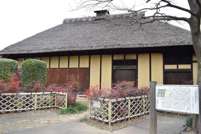かやぶき屋根の古民家「旧茂田家住宅」を見学