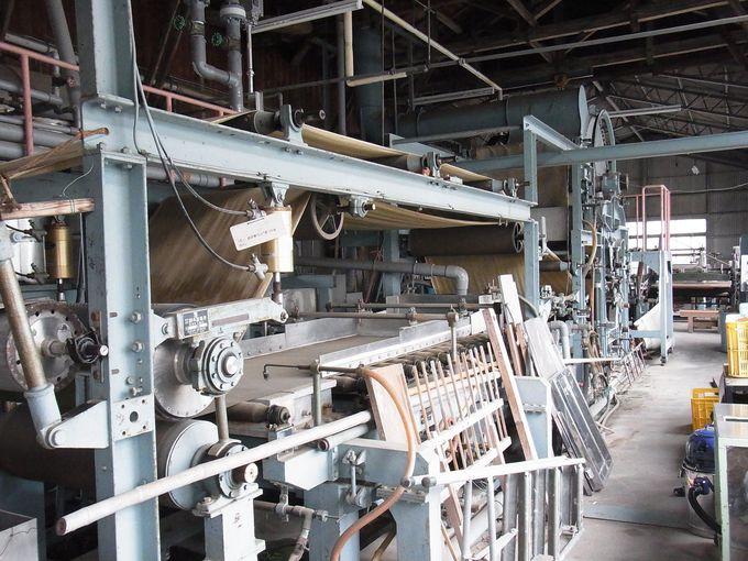 圧巻の和紙製造機械