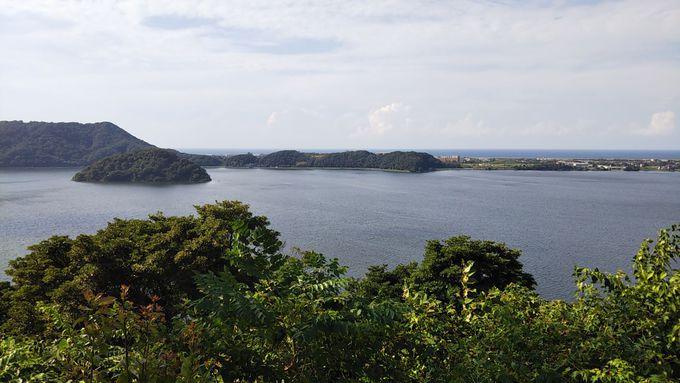 展望台広場からの眺めは絶景!日本海をのぞむ