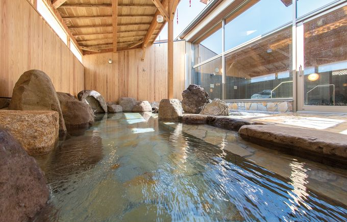 熱いお湯に1000年の歴史!愛犬も入れる吉岡温泉