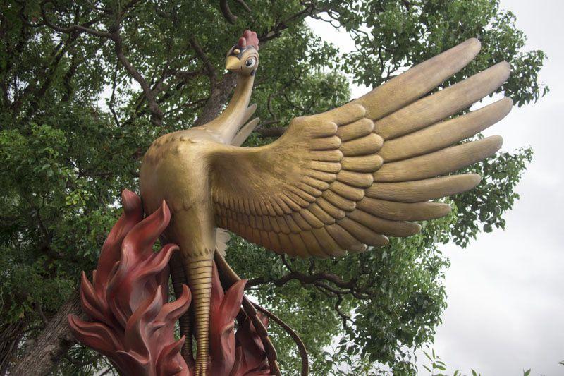 火の鳥が迎えてくれる「手塚治虫記念館」に大興奮!