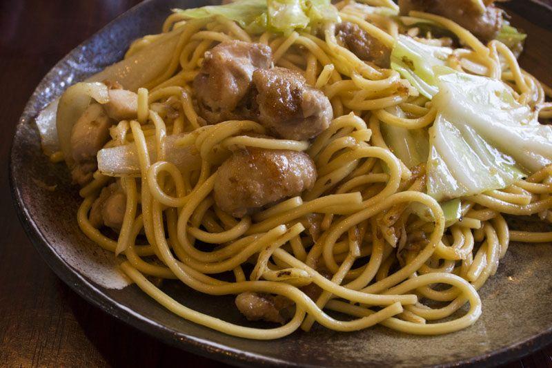 岡山二大B級麺「津山ホルモンうどん・ひるぜん焼きそば」