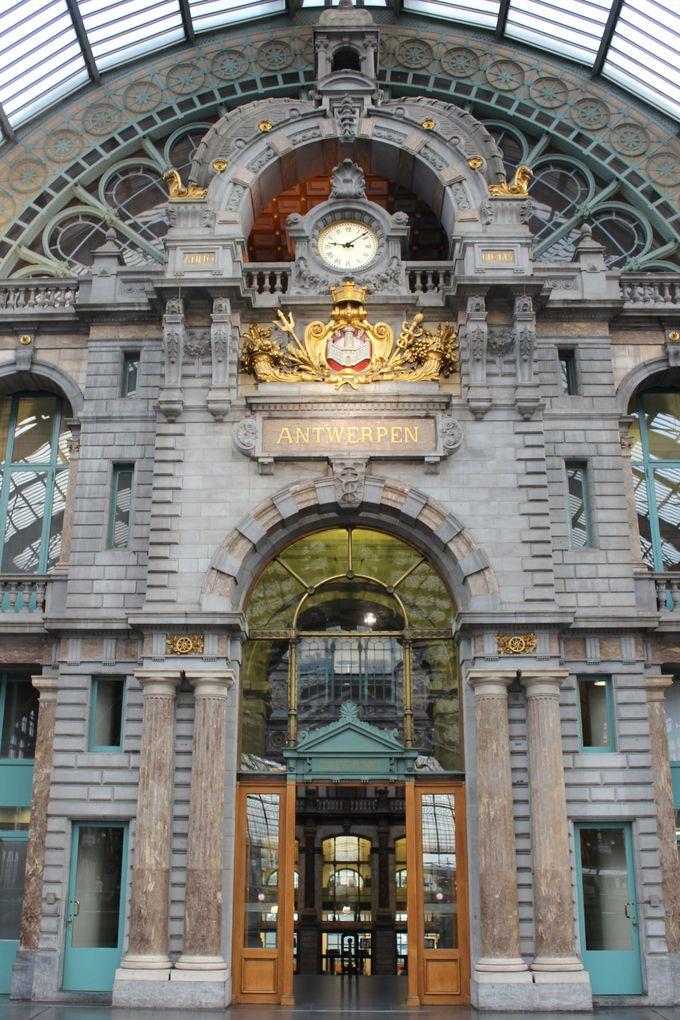 19世紀を象徴する、古くて新しい駅。