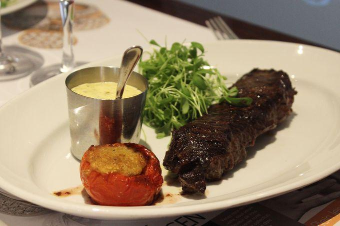 王政時代のフランスの伝統料理が味わえるレストラン。
