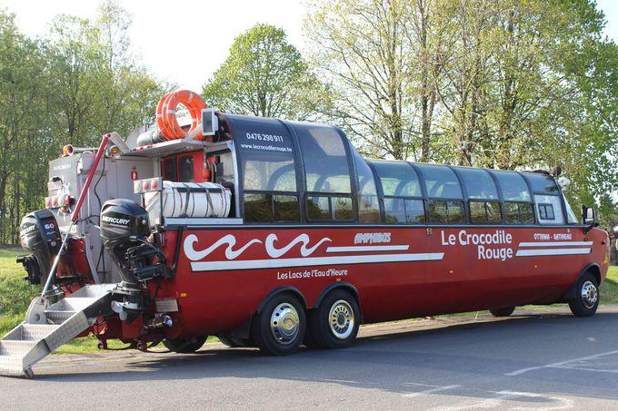水上バス赤ワニ号で、ロー・ドー湖の潜水ツアーはいかが?