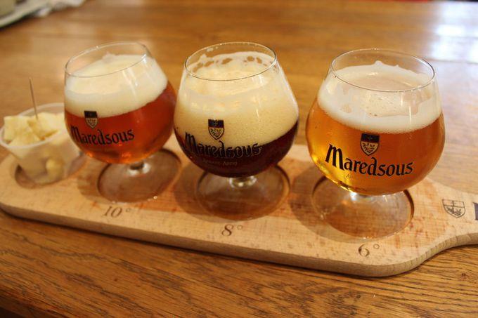 マレッツ修道院見学のあとは、生ビールで喉をうるおす。