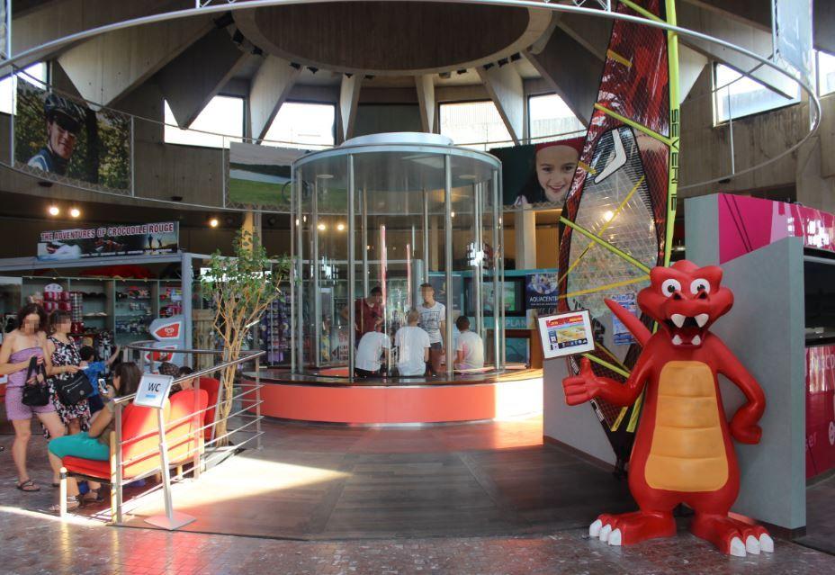 赤ワニ号の本拠地、ロー・ドー湖自然公園の公式観光案内所へようこそ!