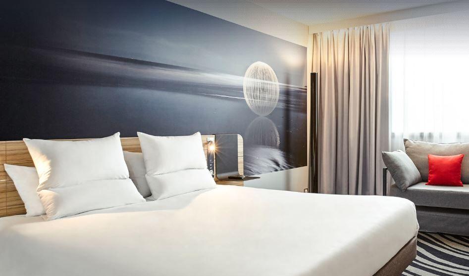 リヴ・ゴーシュはホテル・ノボテルが併設されて便利!