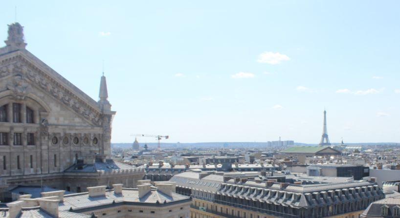 天井ドームのステンドグラスが圧巻!「ギャラリー・ラファイエット本店」