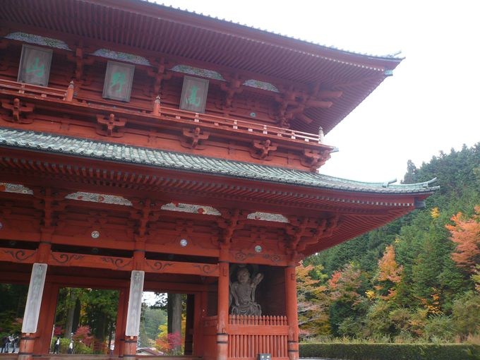 高野山の入り口「大門」