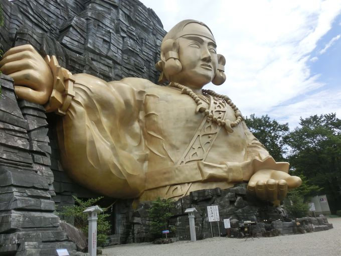 とにかく大きい巨大神像