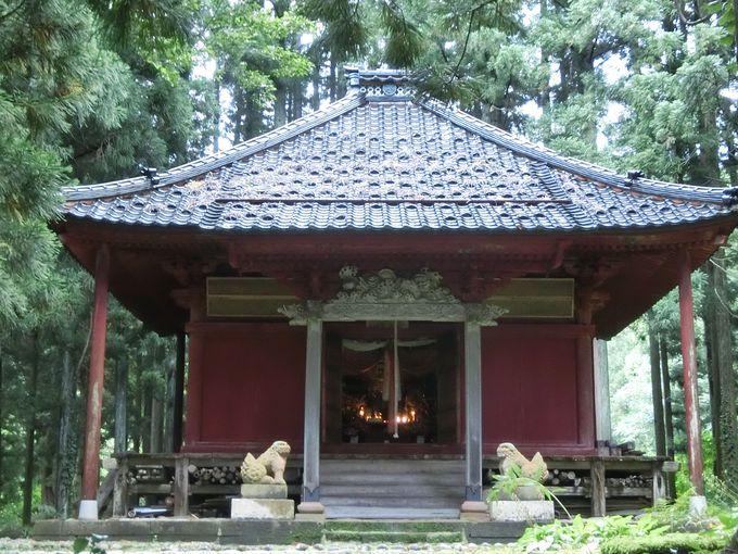 即身仏と心から向き合える。静かな雰囲気な「本明寺」