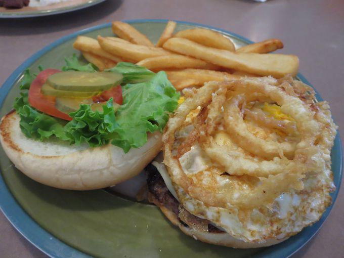 キングスレストランの目玉バーガー「キングスバーガー」