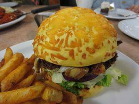 グアムで食べ比べ!アメリカンサイズのハンバーガー5選!
