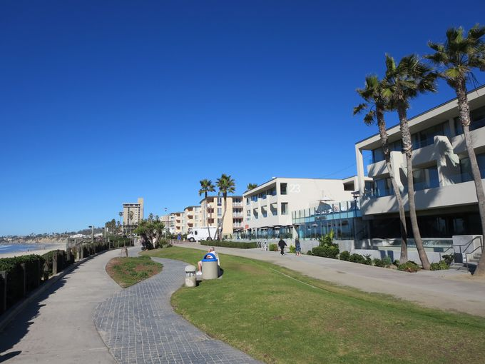 パシフィックビーチのどこまでも続く青い空!