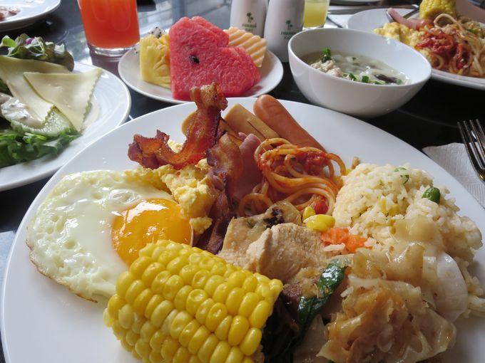 朝食ビュッフェで朝から猛チャージ!