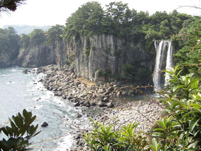 「正房の滝」で大自然のパワーをチャージ!