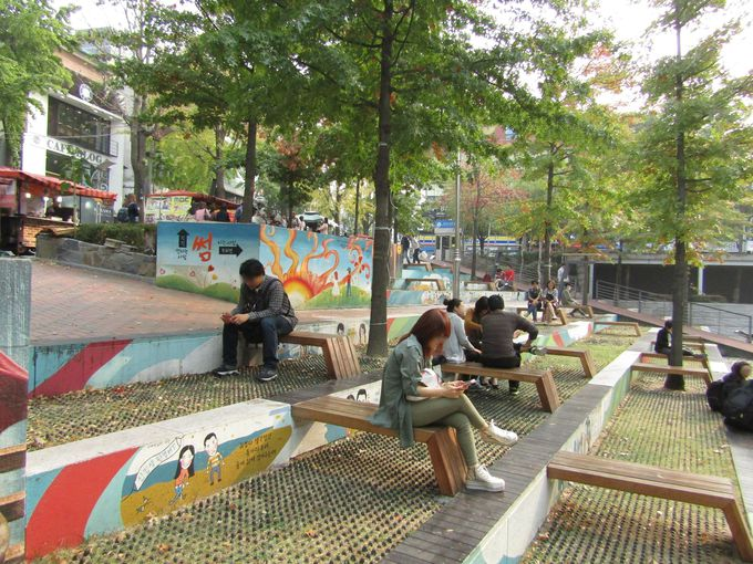 学生の憩いのスポット「テヒョン文化公園」