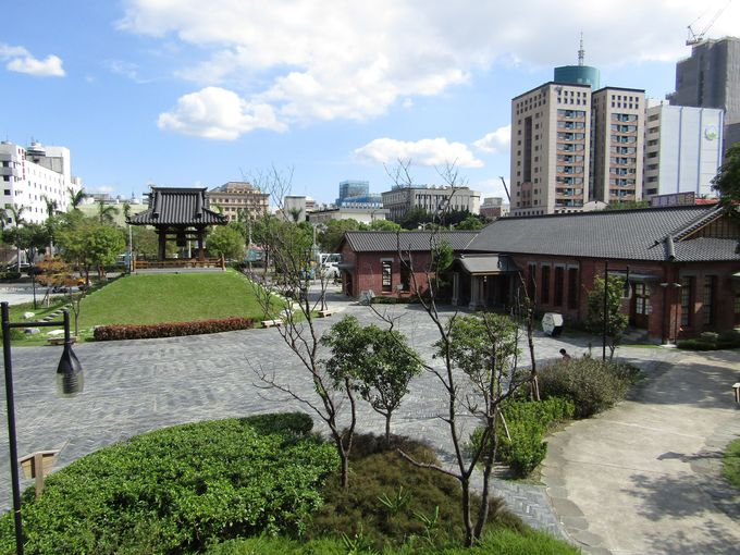 なぜここに?「西本願寺広場」の歴史