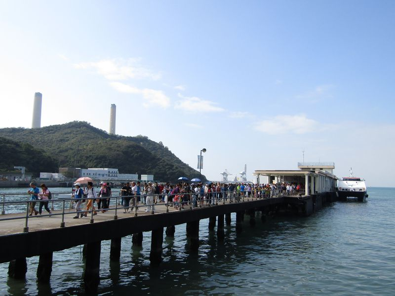 香港の離島・ラマ島で日帰りハイキングと海鮮を楽しもう