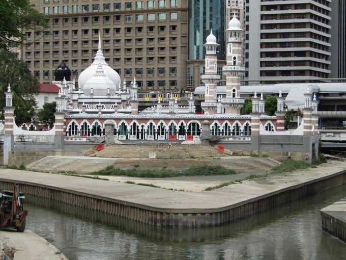 クアラルンプール最古のイスラム寺院「マスジッド・ジャメ」