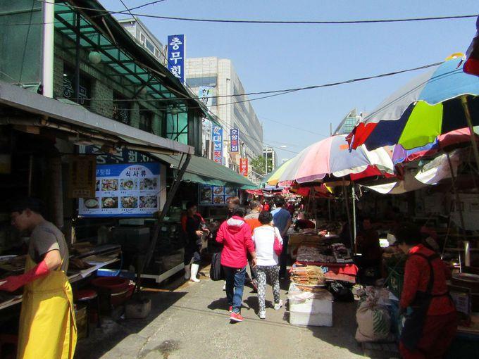 水揚げされたばかりの海鮮がいっぱい!チャガルチ市場