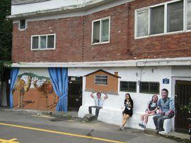 ソウル路上美術館「梨花洞壁画村」イマジネーション全開で散策しよう