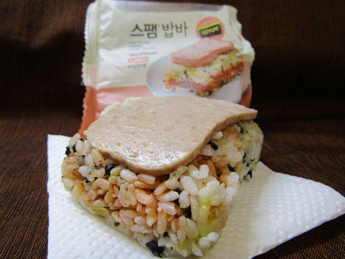 ご飯のサンドイッチもあり!「スパム ライス バー」