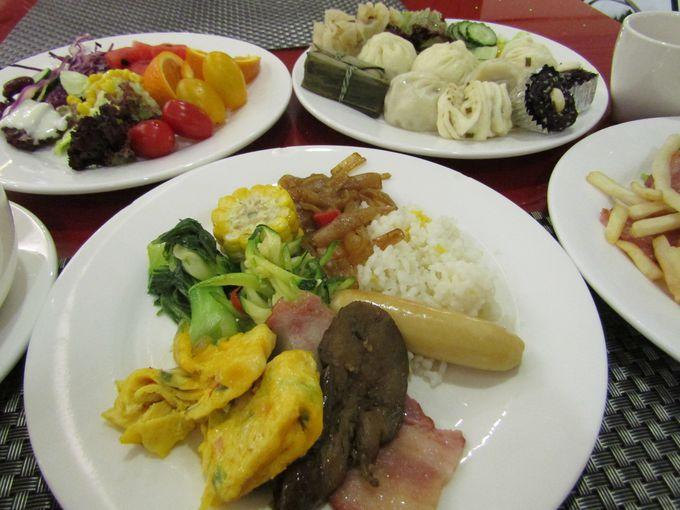 中華系メニューの半分以上が日替わりで提供!無料の朝食ビュッフェ