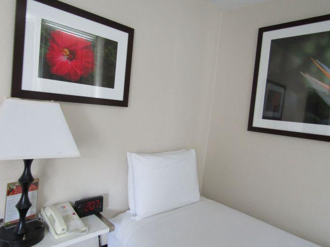 部屋はどこまでも機能的!ハワイアンなビジネスホテル