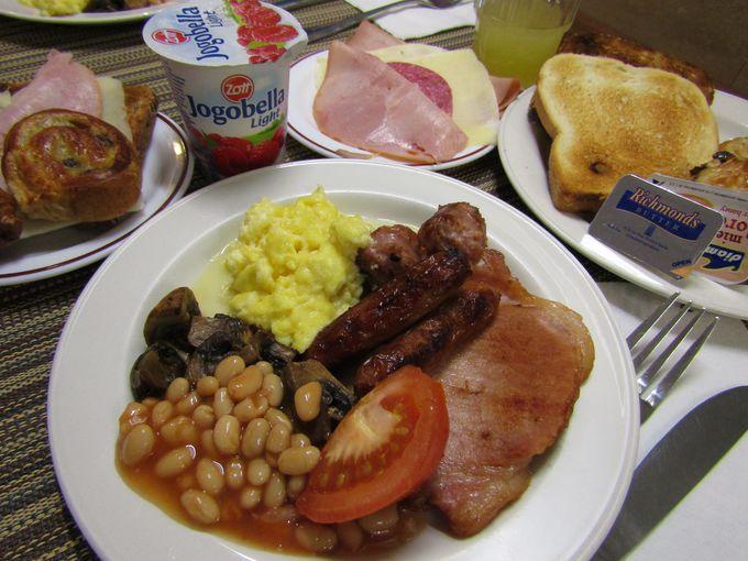 シンプルな朝食ビュッフェに満足!