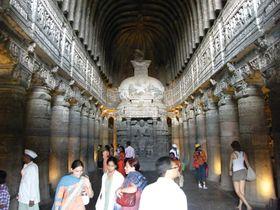 インド最古の仏教寺院「アジャンター石窟群」で悠久の時を感じる