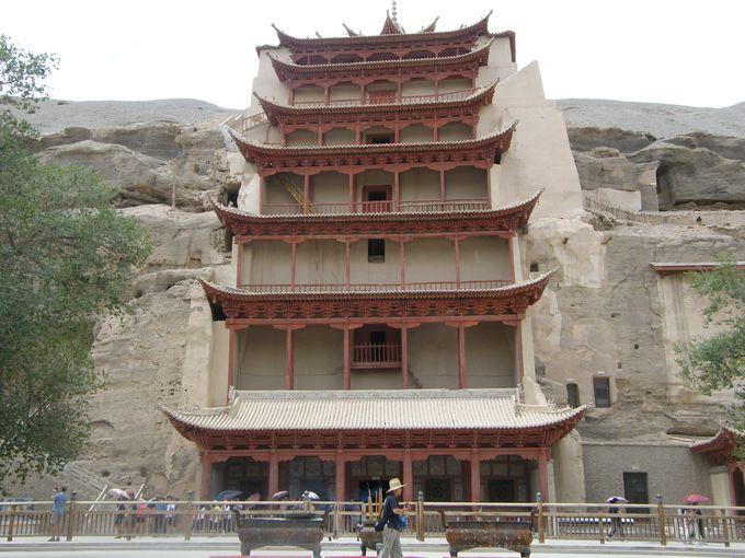 超巨大石窟、世界遺産「莫高窟」