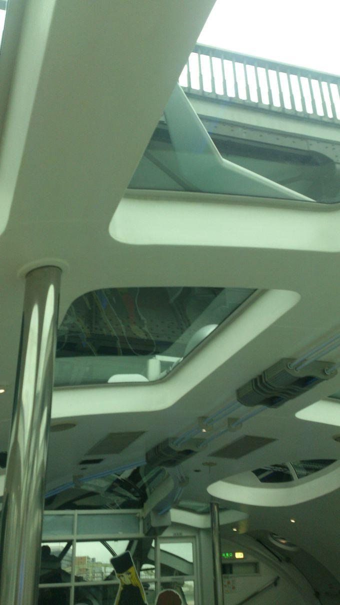 左右の景色だけでなく天井も見るべし!