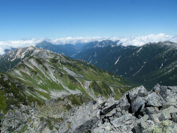 遠く黒部湖まで見渡せる「水晶岳(別名:黒岳)」&「鷲羽岳」