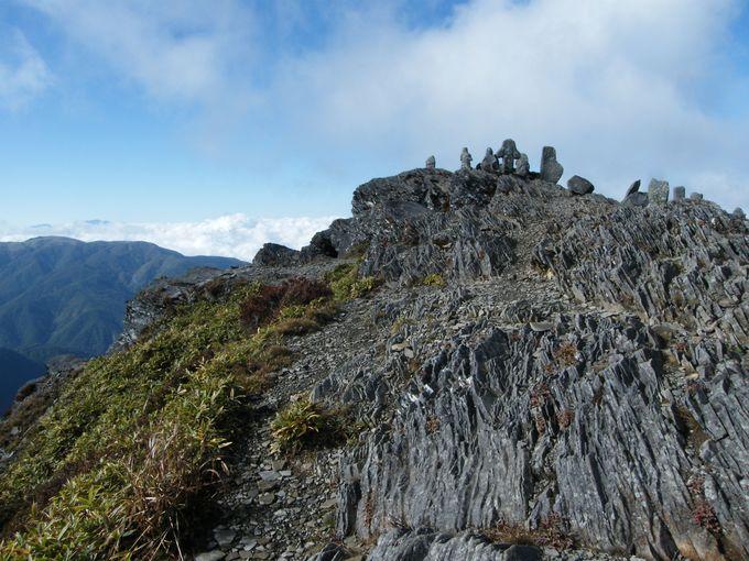 奇岩と石仏が立ち並ぶ王ヶ鼻