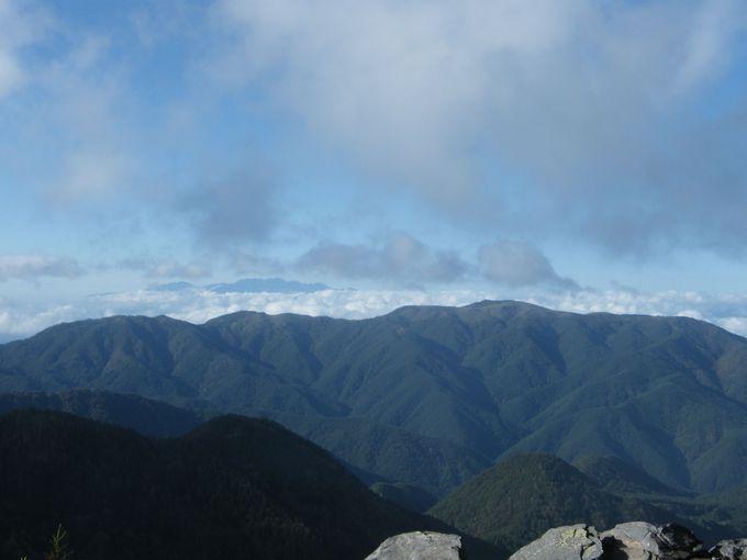 高原ならではのアルプス展望コースへ