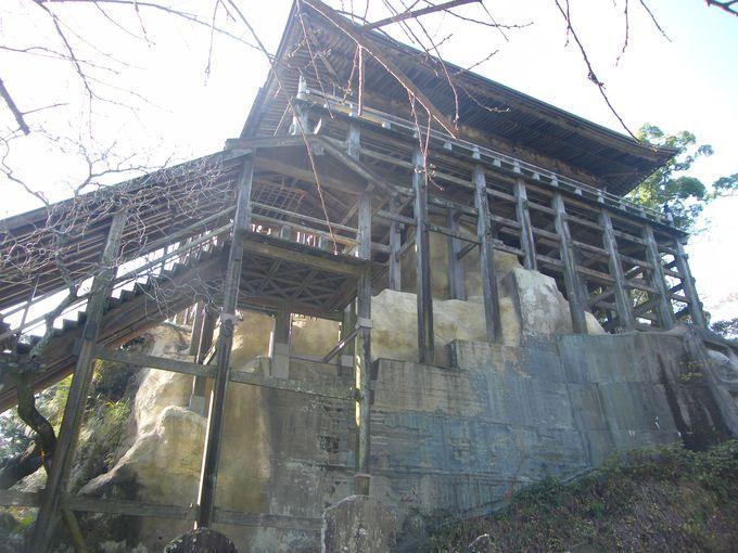 日本唯一の「四方」懸造り建築!