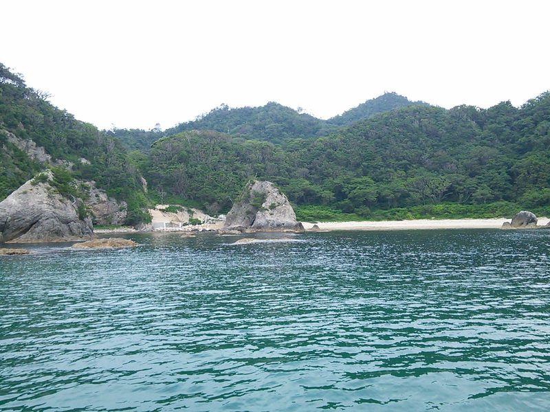 砂丘だけじゃもったいない!鳥取「浦富海岸」は海から見るべし!