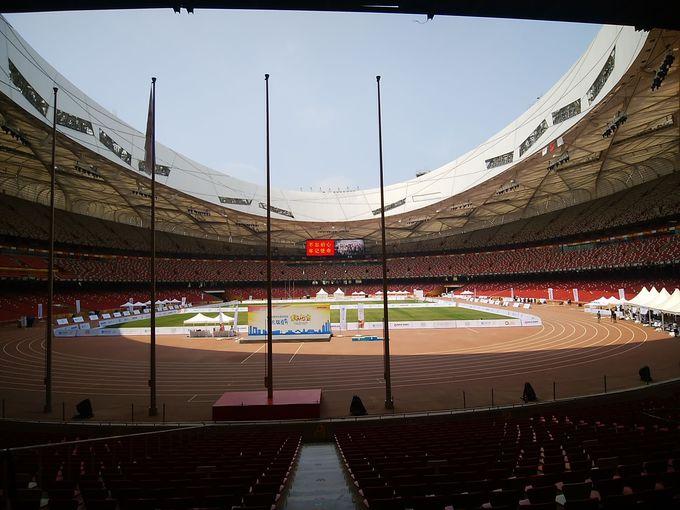 スタジアムは巨大!
