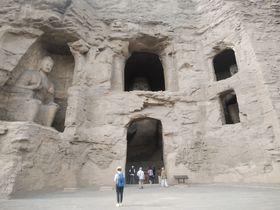 中国の世界遺産「雲崗石窟」は仏教彫刻に囲まれた3D空間!