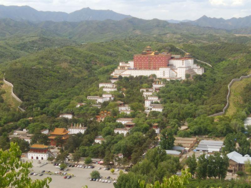 中国・承徳の世界遺産、外八廟の「布達拉行宮景区」は完全チベット仕様!