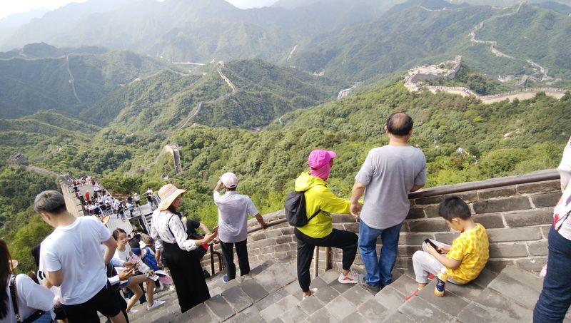 中国の世界遺産・万里の長城で「熊牧場」に「ジェットコースター」!?
