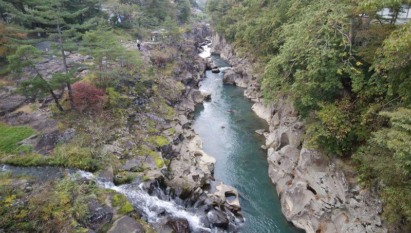 大渓谷を歩いて散策!岩手県「厳美渓」はお手軽お散歩スポット