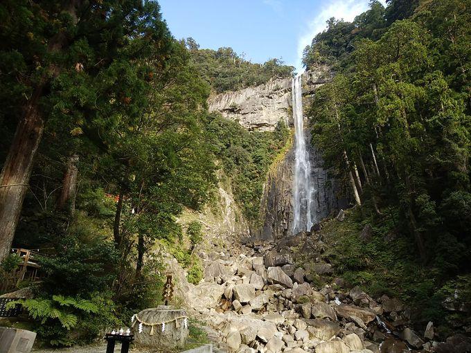 早朝〜:那智の滝で有名な那智大社へ