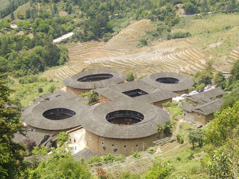 中国の世界遺産「福建土楼」は古代のデザイナーズマンション