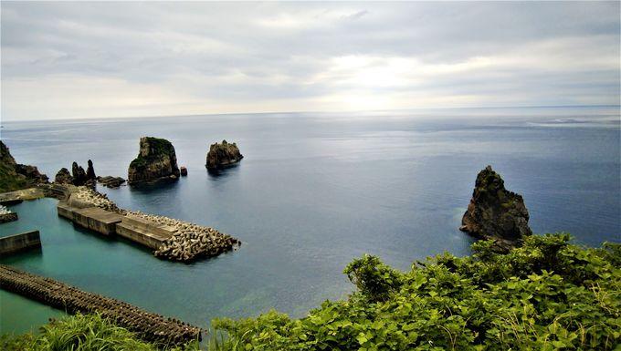 下甑島ではナポレオン岩を見よう