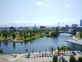 富山駅近くのおしゃれスポット 富岩運河環水公園と県美術館