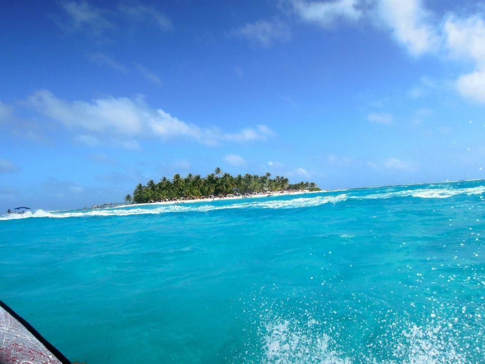 カリブ海に浮かぶ「サンアンドレス島」はコロンビア領の楽園!