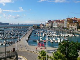 スペイン北部の海岸都市ヒホンで自然とグルメに大満足の旅!